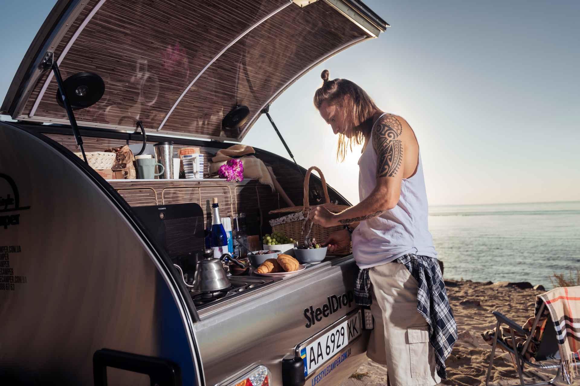 lifestyle camper norge steeldrop teardrop campingvogn produktfoto 7